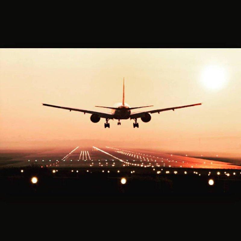 Самолет не мог приземлиться, пока диспетчеры спали