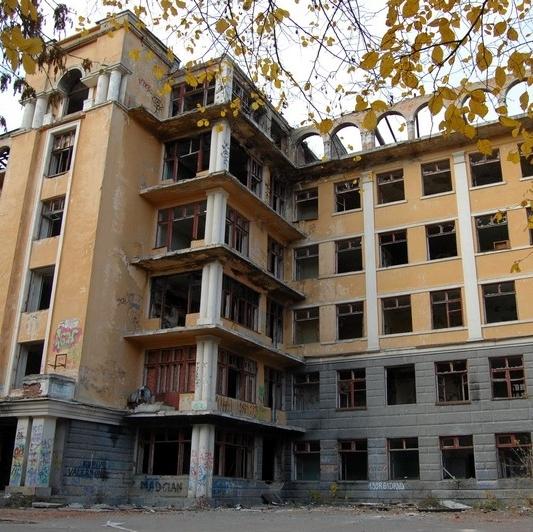 Школа вместо заброшенной больницы