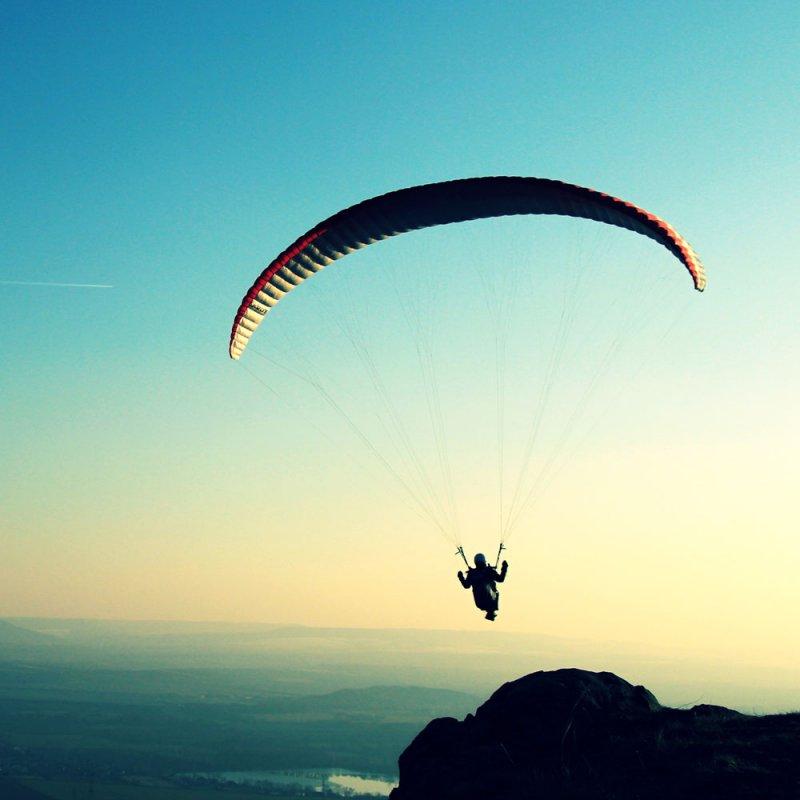 С парашютом в 101 год