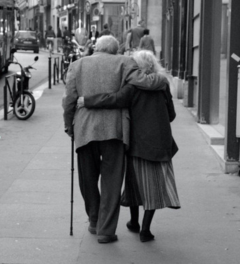 Жили долго и счастливо