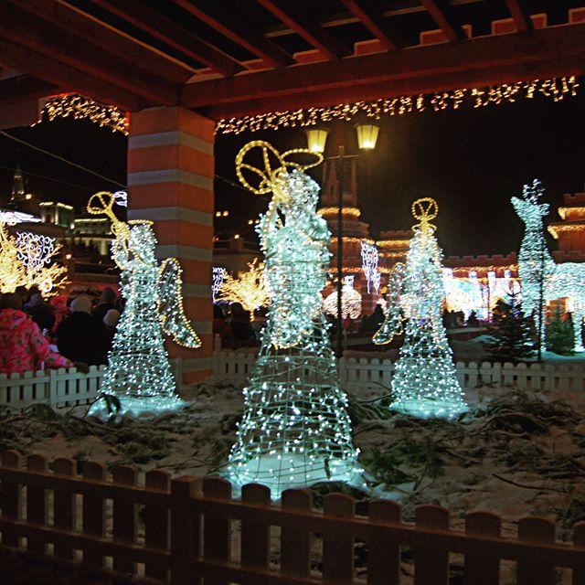Мы планировали отдохнуть на новогодних каникулах, но наша поездка в Казань получилась практически деловой))) Позже расскажем почему, а пока немного ...
